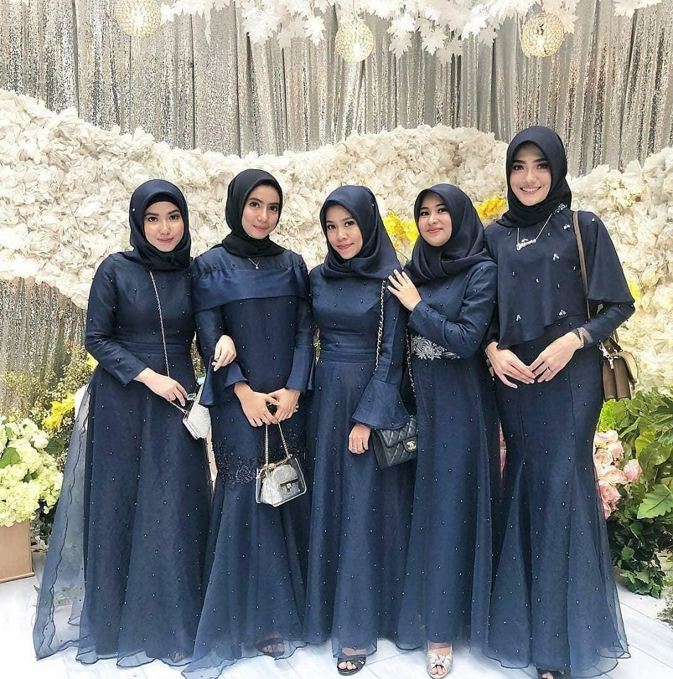 Dress Brokat Manik Biru Navy