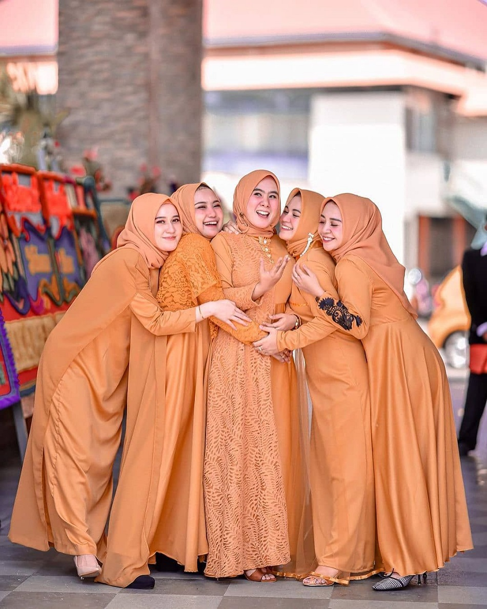 Flare Dress Bridesmaid Warna Orange