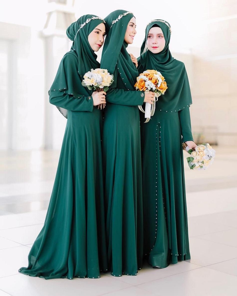 Gaun Bridesmaid Hijab Warna Hijau