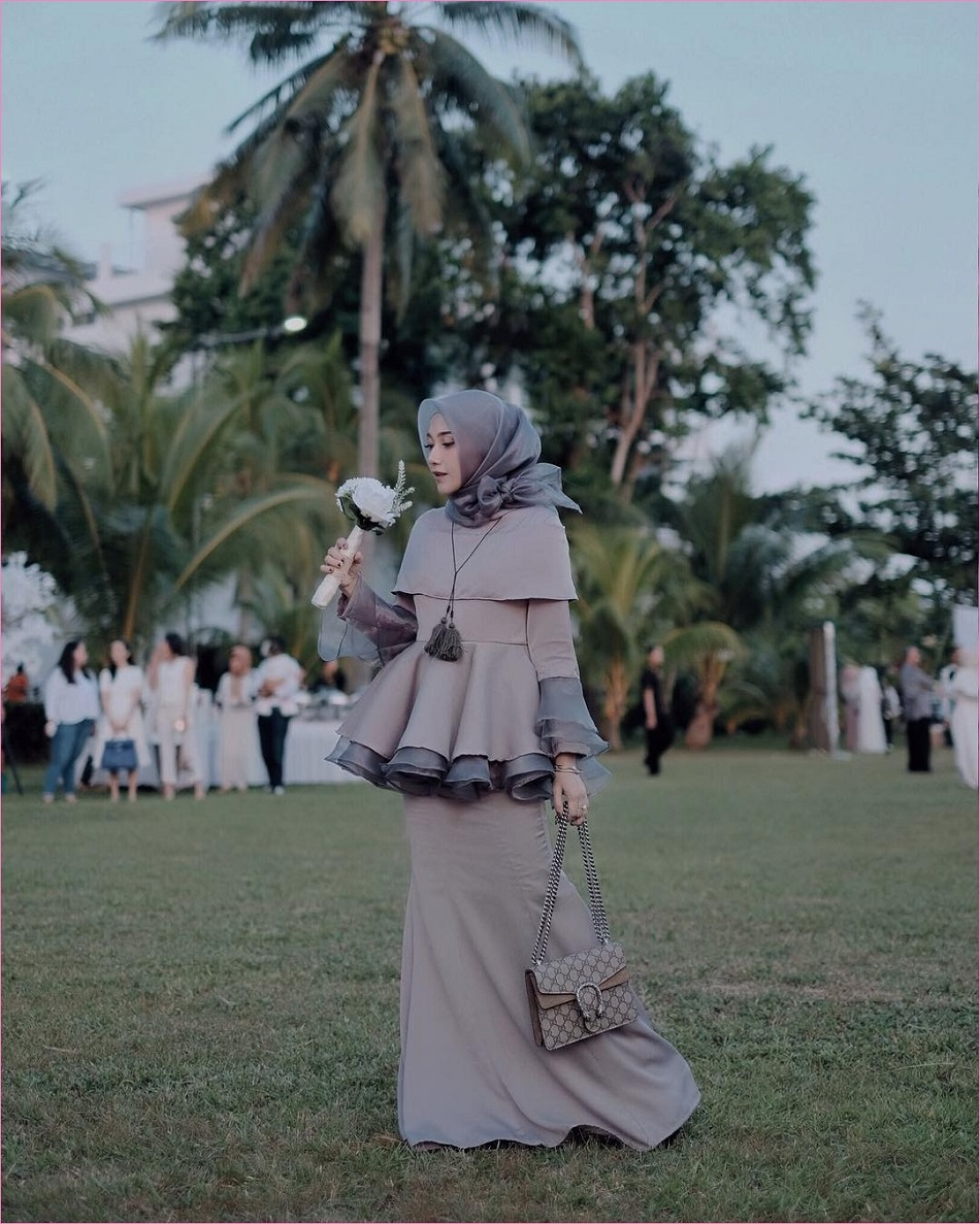 Gaun Ruffle Bridesmaid Hijab