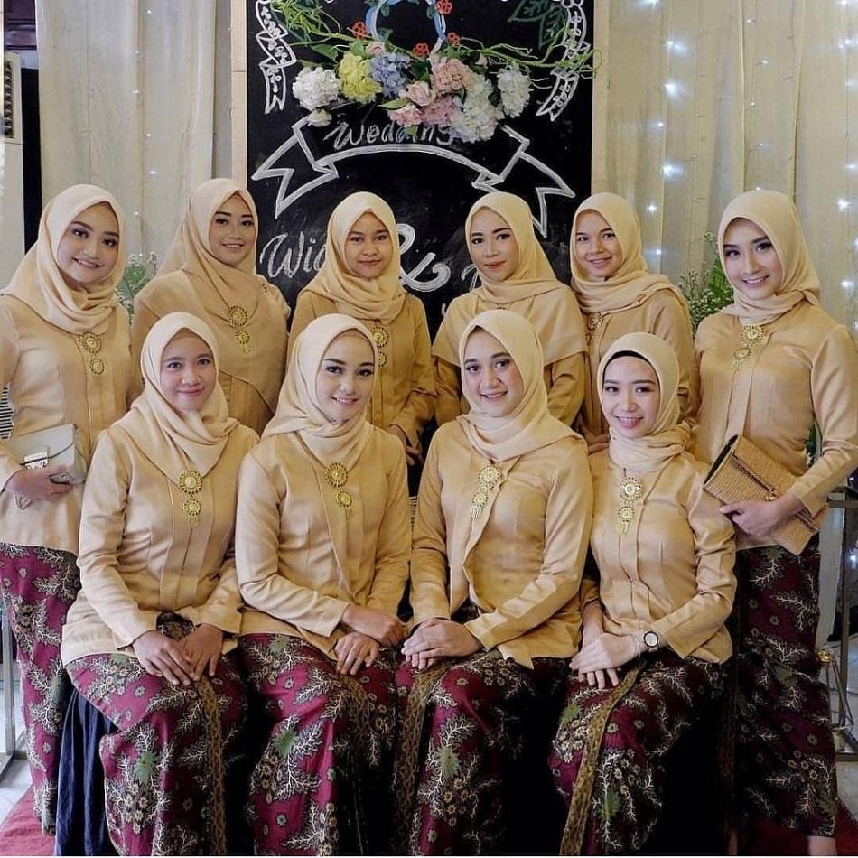 Kebaya Bridesmaid Hijab