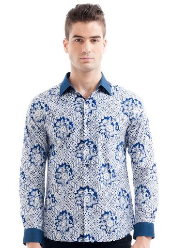 Kemeja Batik Biru Putih Motif Bunga