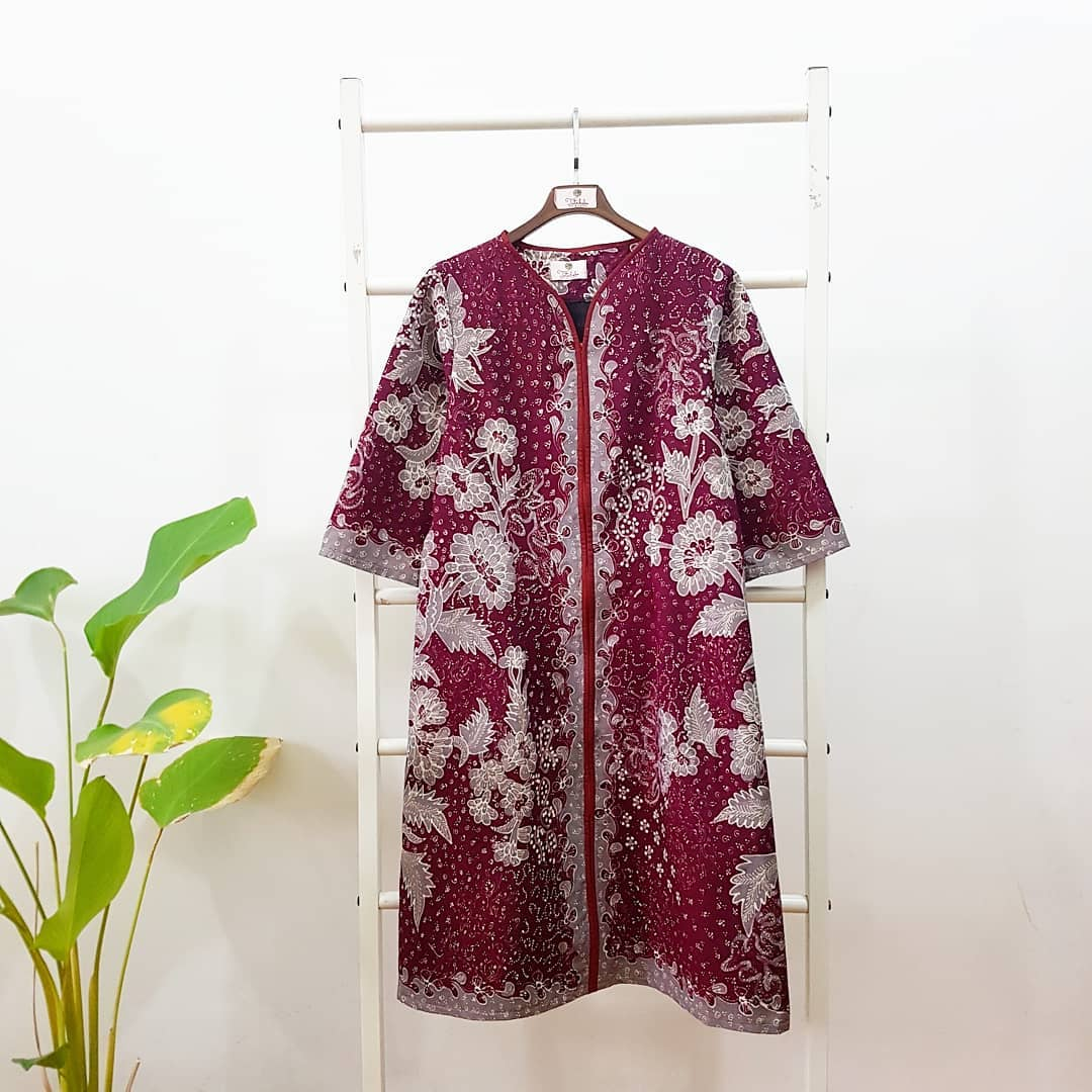 Long Outer Batik Bunga Kain Merah