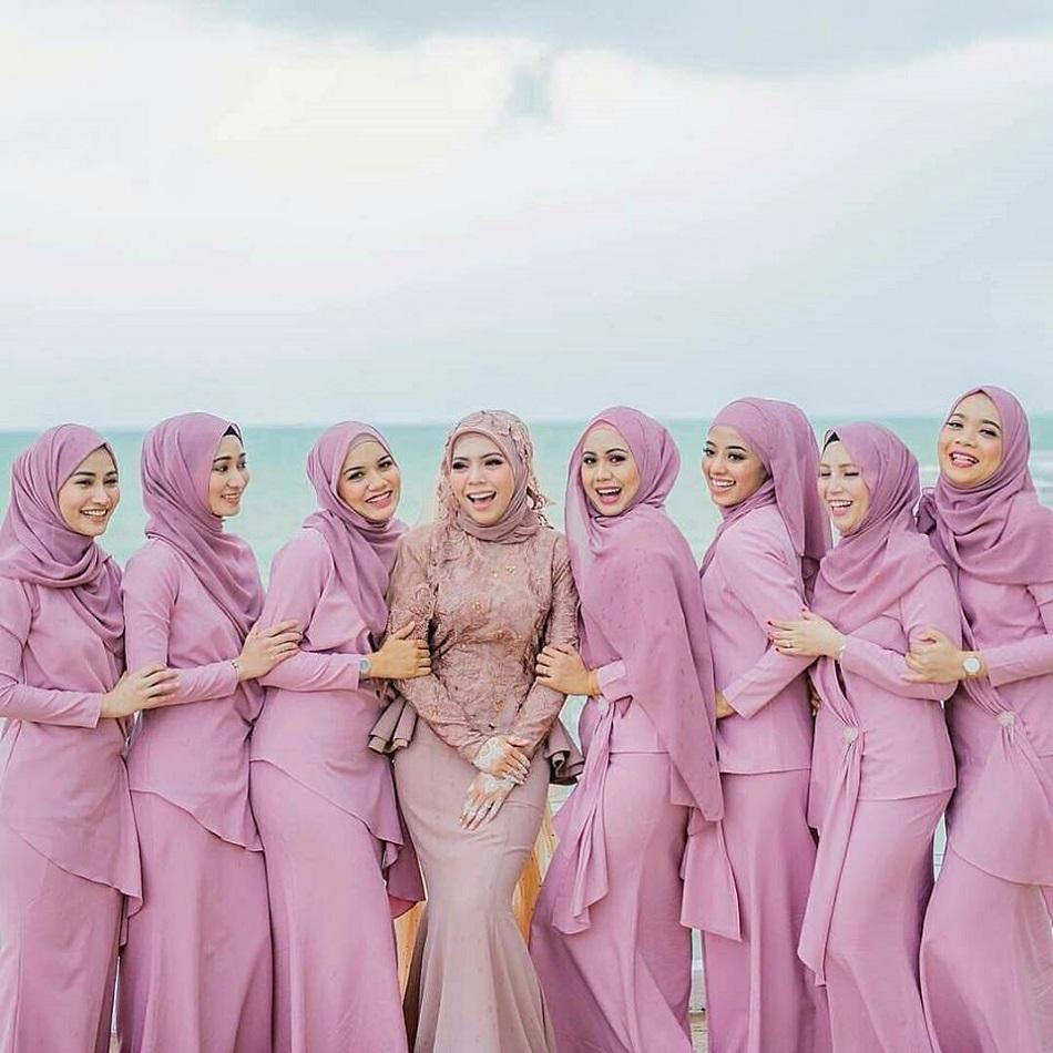 Model Baju Bridesmaid Hijab Simple