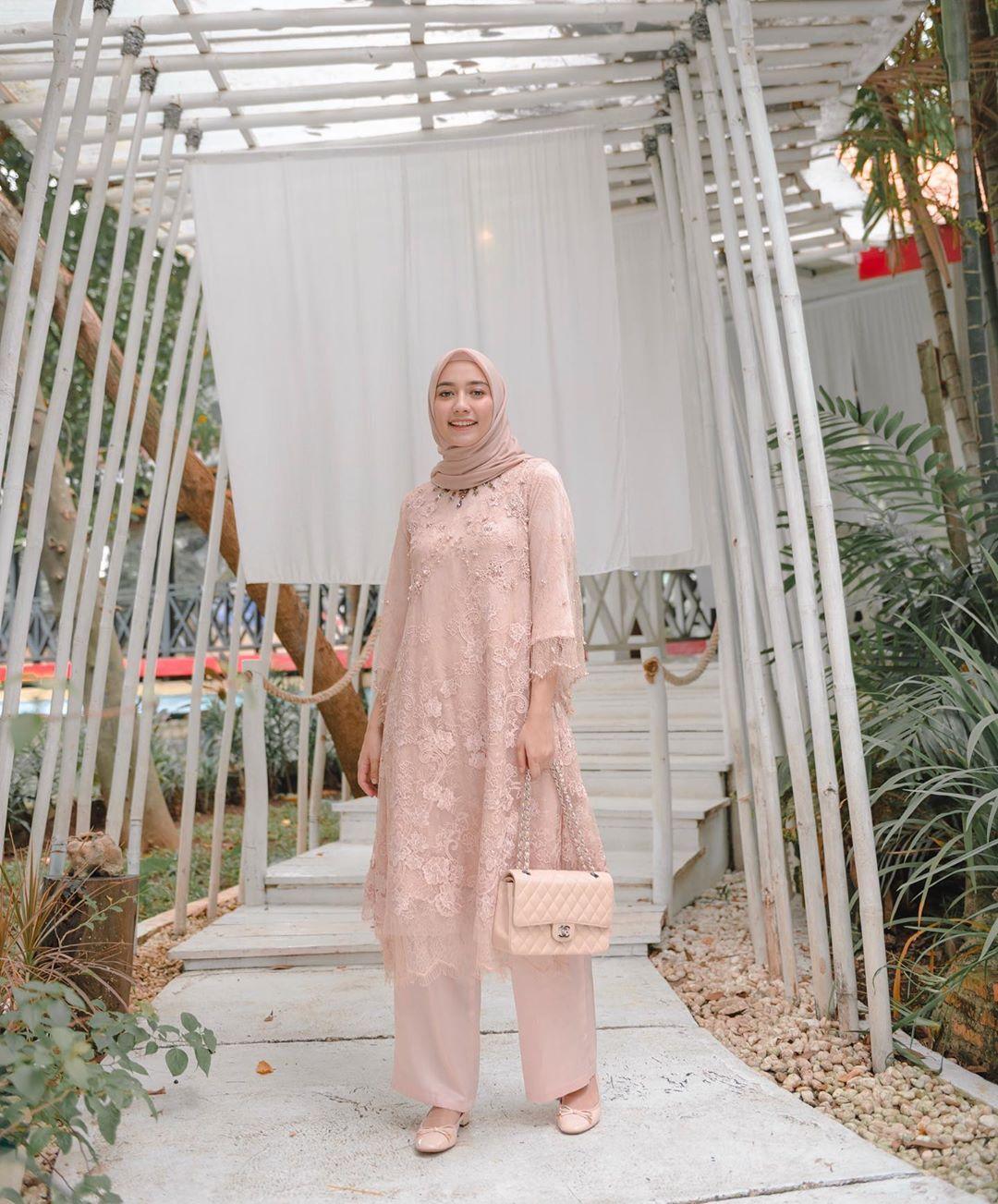 8+] Model Baju Tunik Wanita Modern ( BATIK & BROKAT )