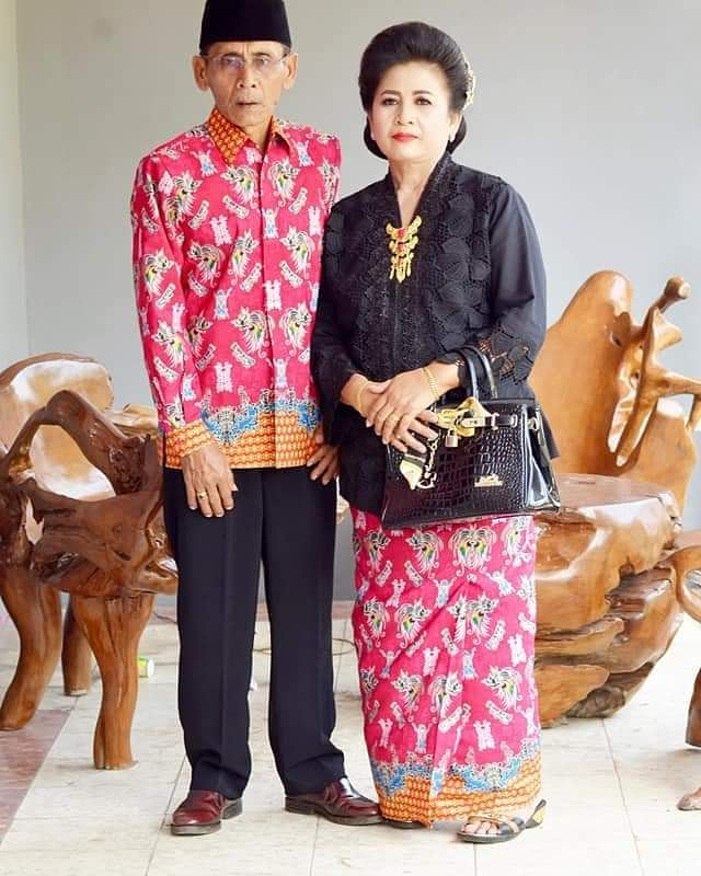 Pakaian Formal Batik Motif Papua