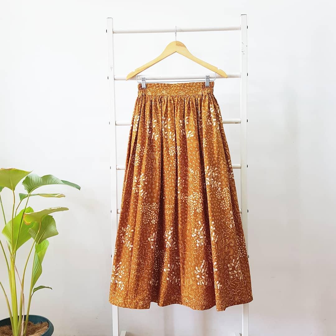 Rok Batik Panjang Warna Cokelat