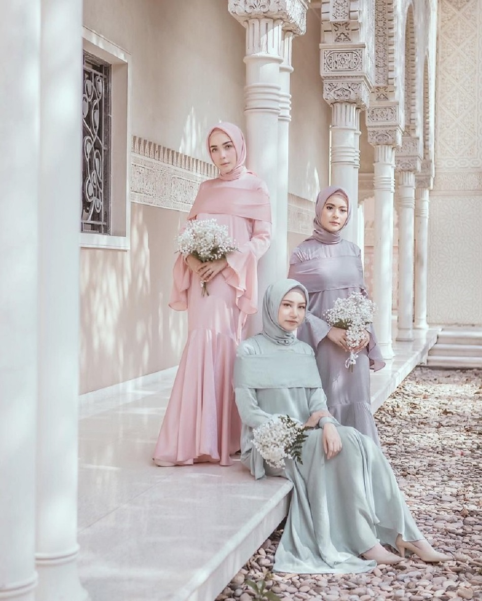 Seragam Bridesmaid Hijab Warna-warni