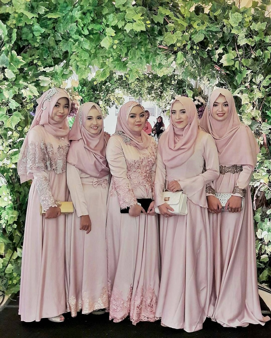 Seragam Bridesmaid Model Maxi Dress