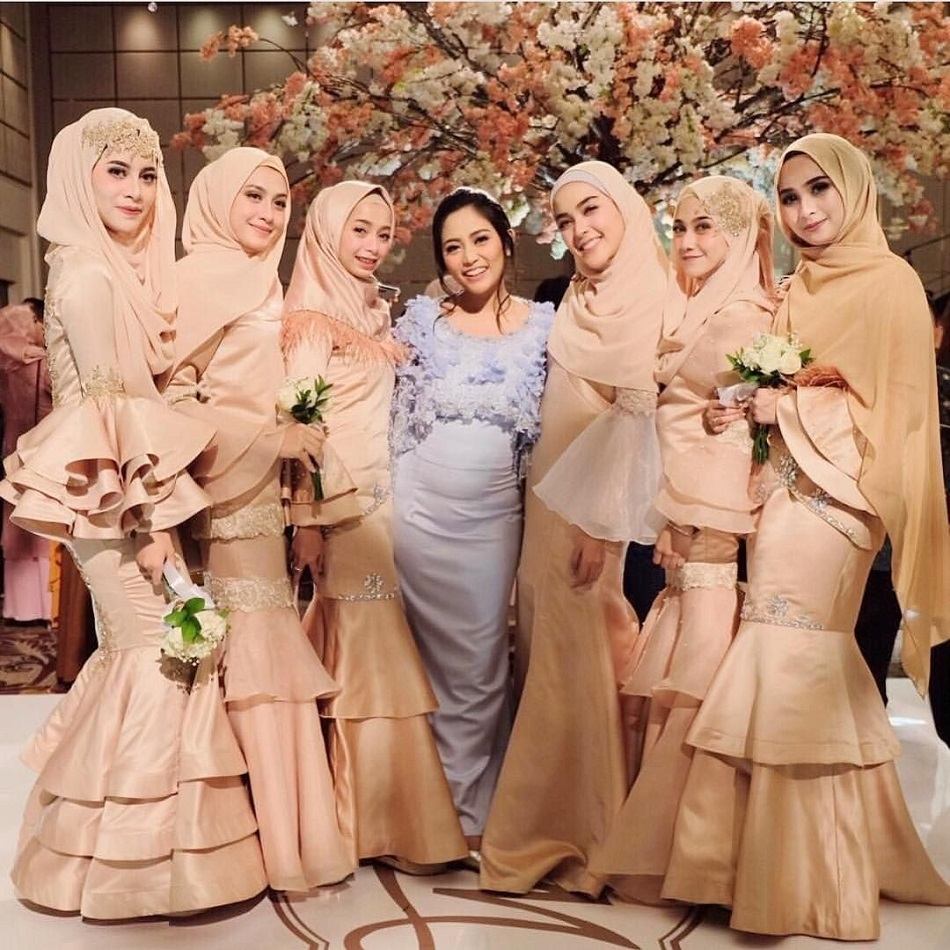 Seragam Bridesmaid Model Mermaid Dress