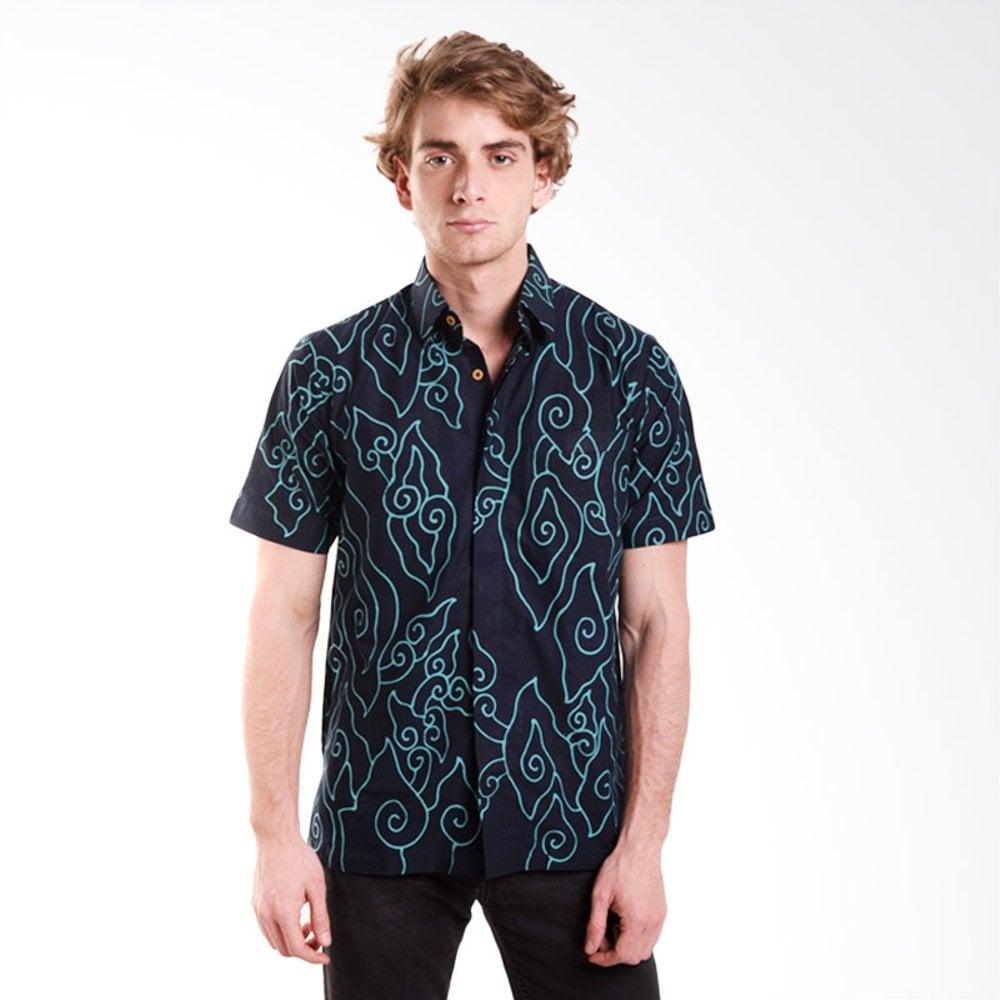 hem batik pria motif mega mendung garis