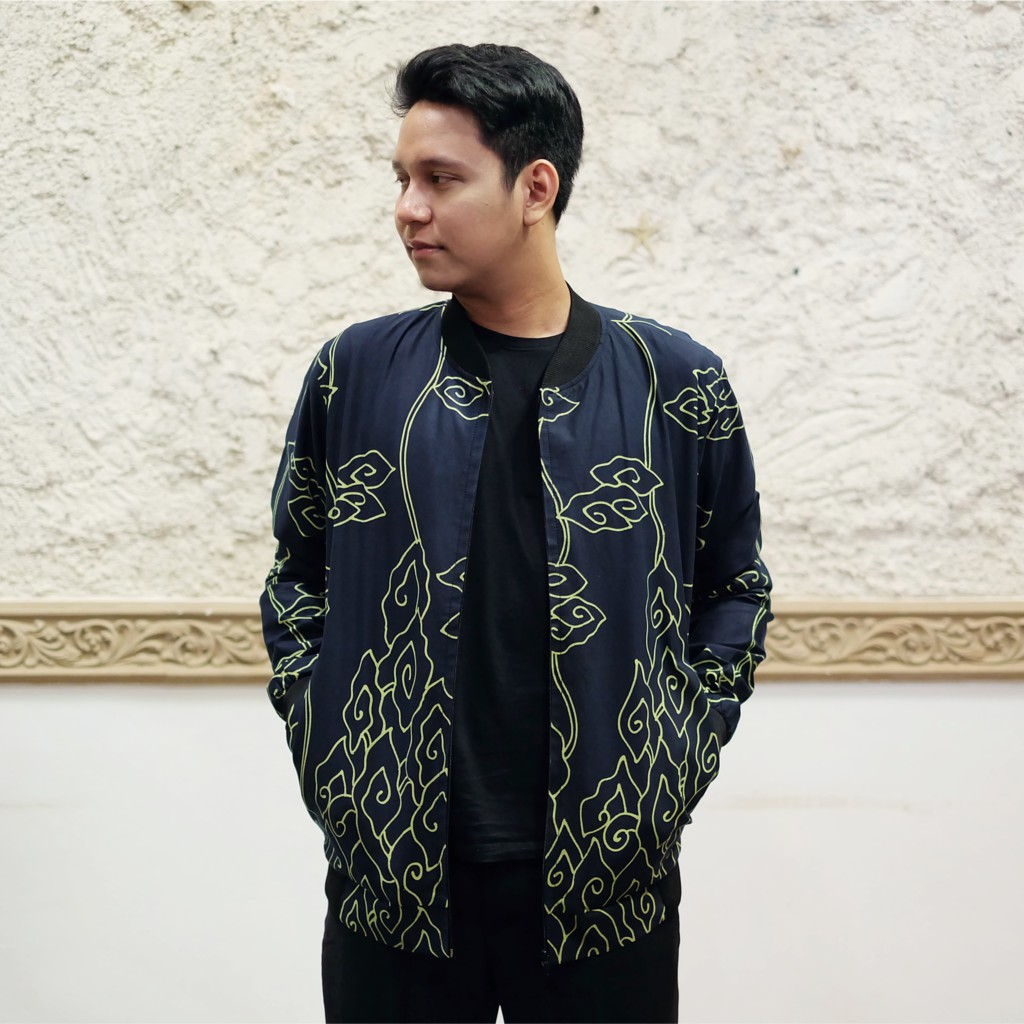 jaket batik motif mega mendung