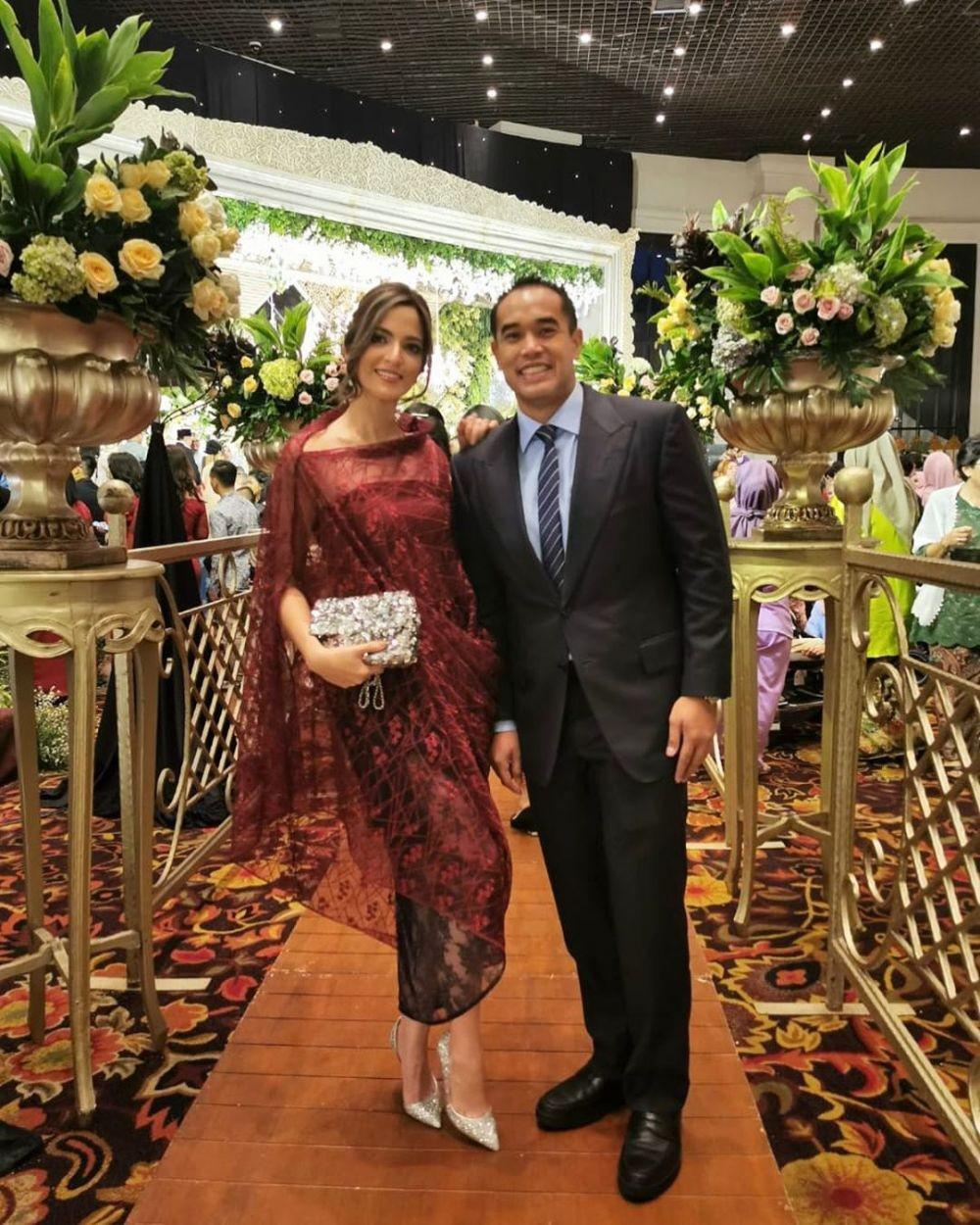 model baju brokat rok batik