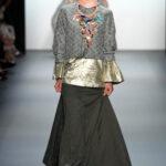 model baju pesta batik kombinasi