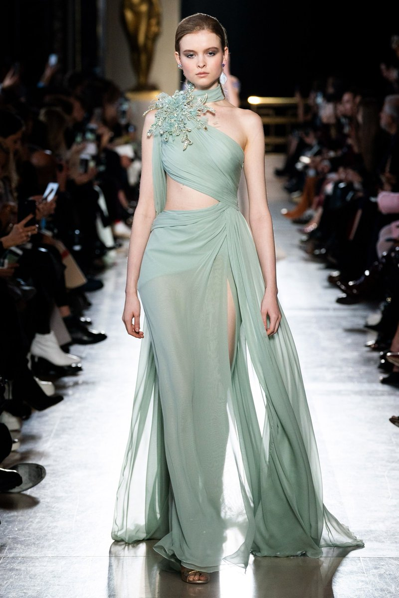 model baju pesta warna hijau
