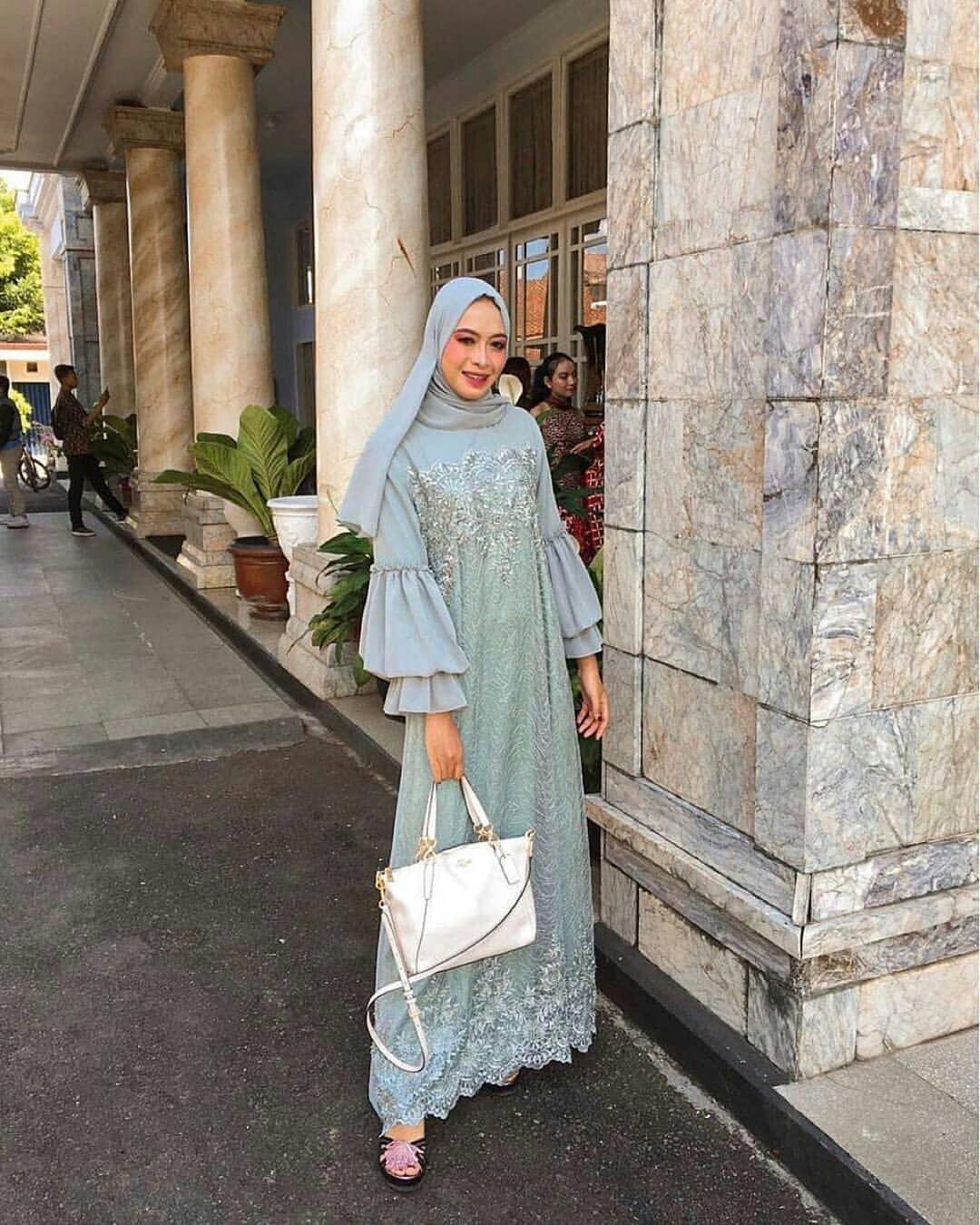 model dress brokat simple elegan