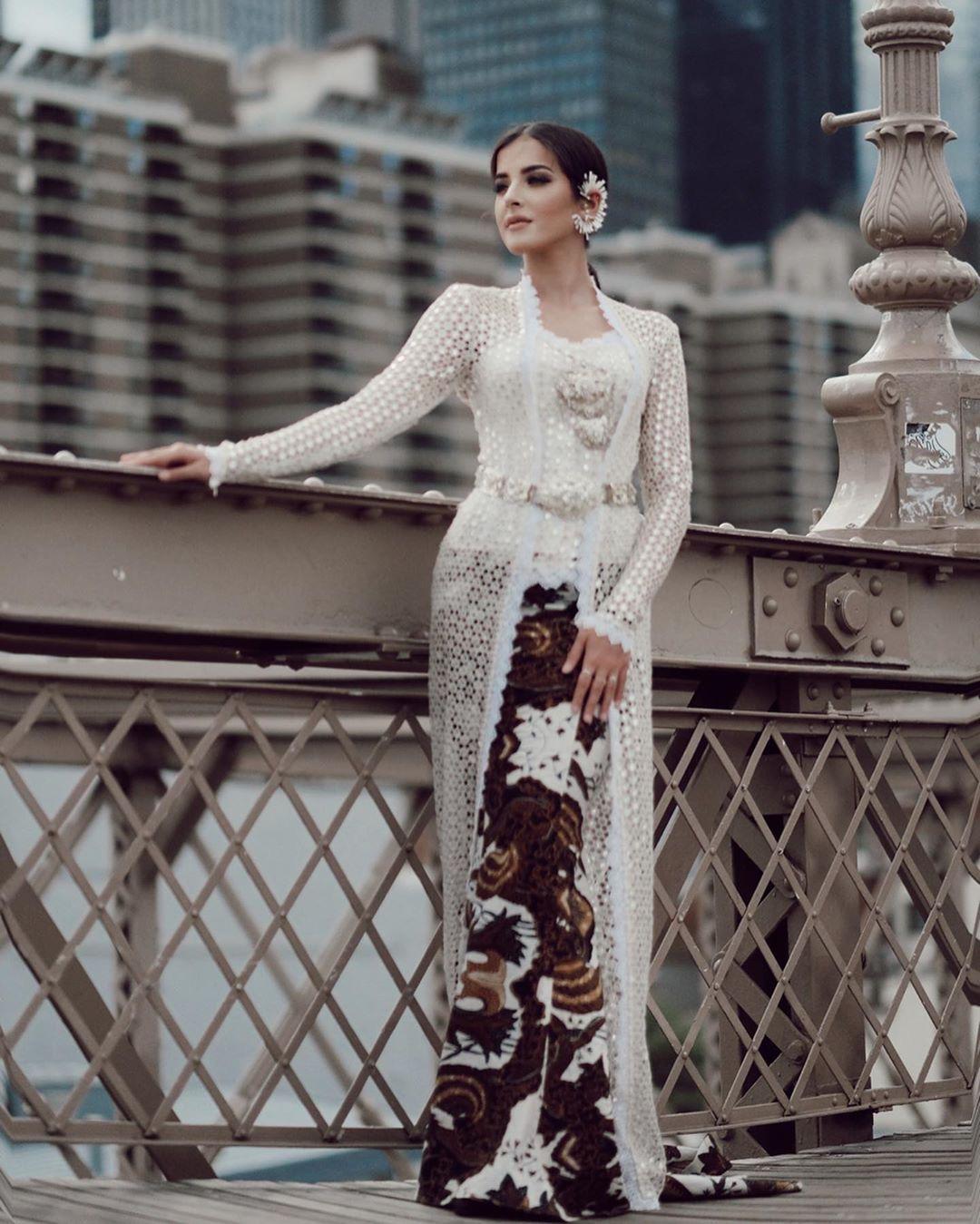 model gamis brokat untuk akad nikah