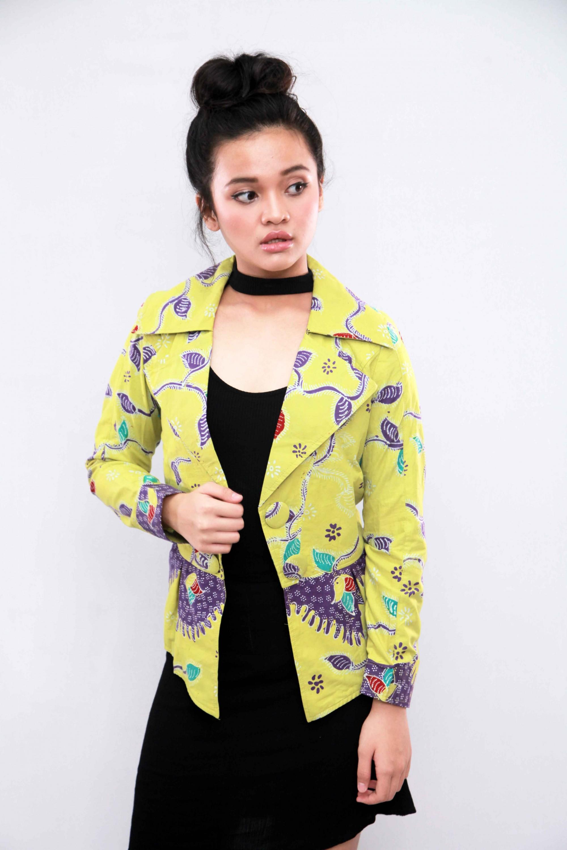 Blazer Batik Cirebon Warna Kuning