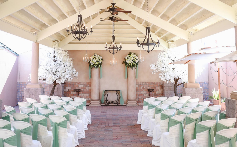 Dekorasi Pernikahan Elegan Dan Mewah