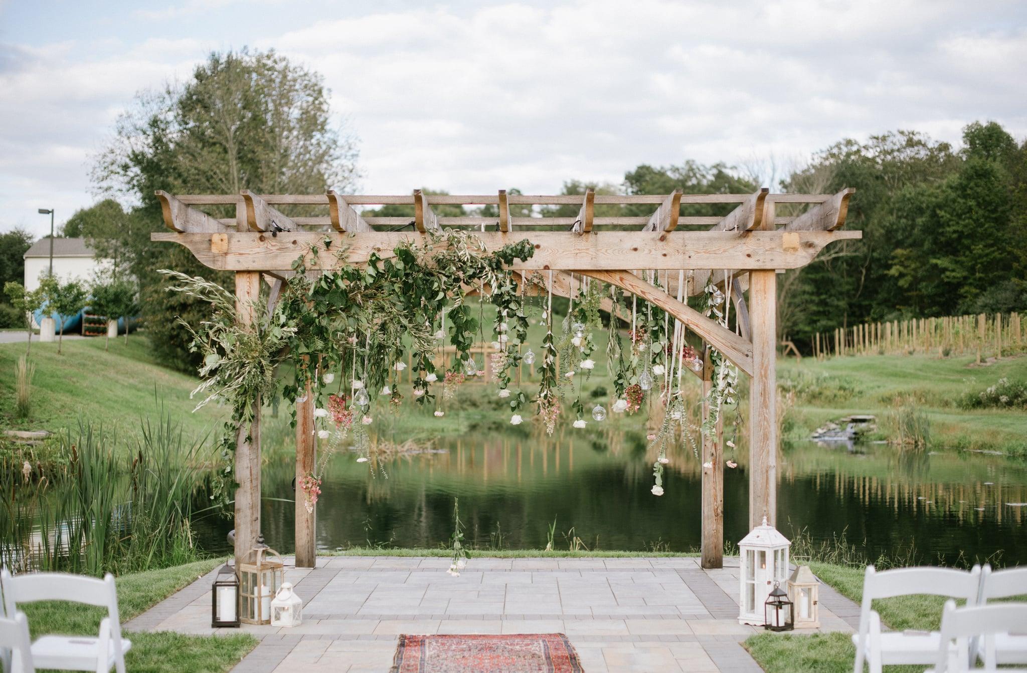 Dekorasi Pernikahan Outdoor Sederhana