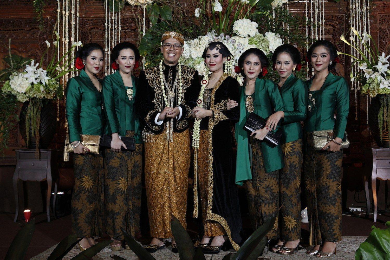 Foto Pernikahan Adat Jawa Modern