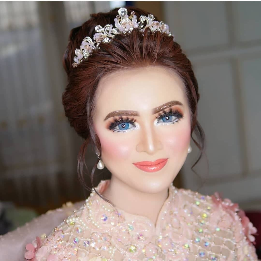 Inspirasi Make Up Pengantin Ala Barbie