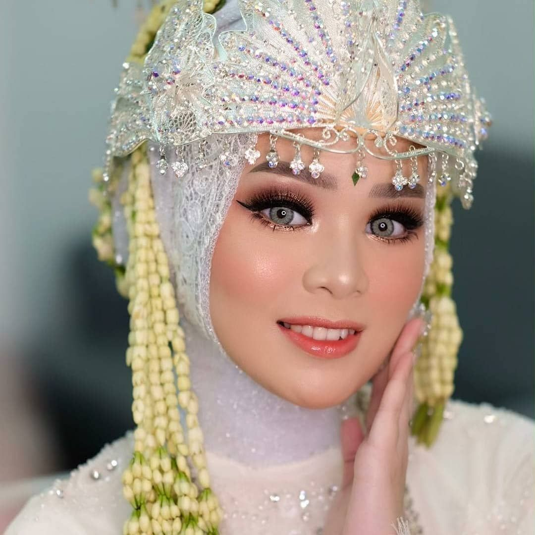 Make Up Pengantin Hijab Modern