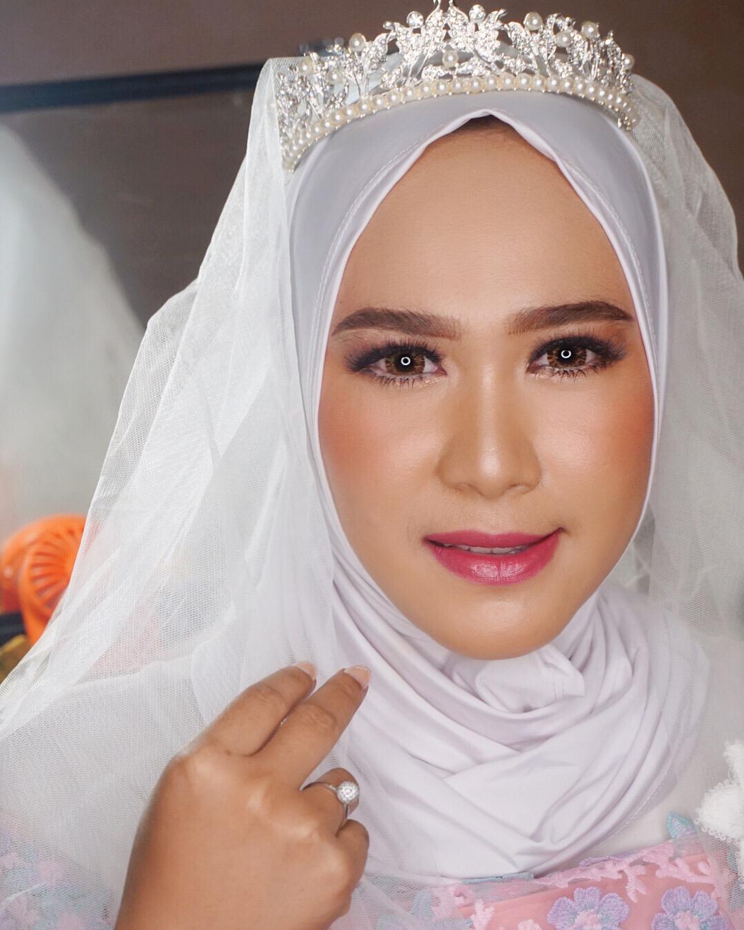 Make Up Pengantin Hijab Simple