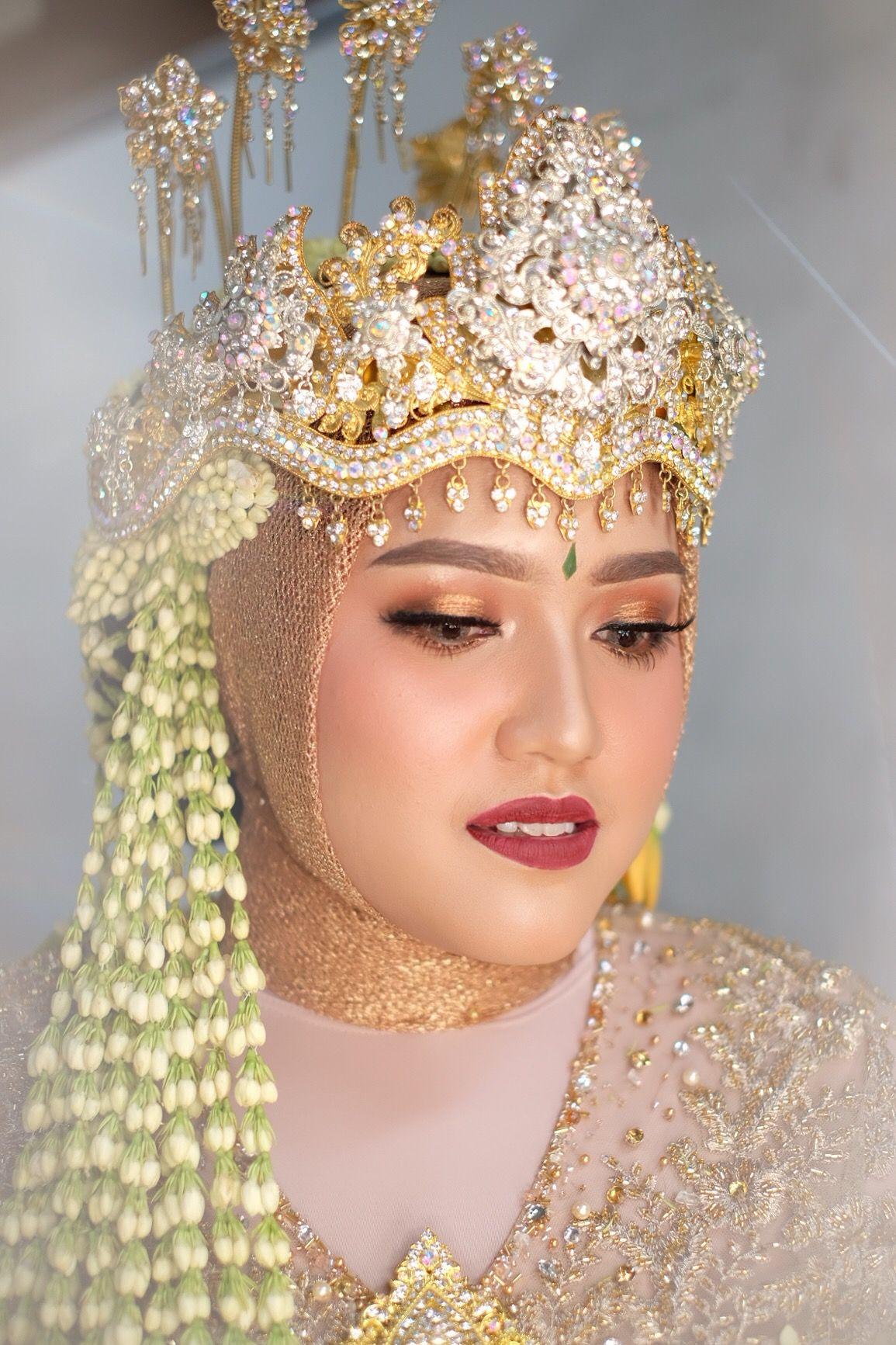 Make Up Pengantin Hijab Syar'i