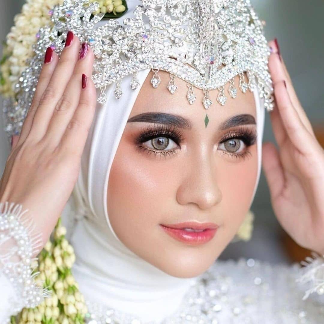 Make Up Pengantin Jawa Hijab