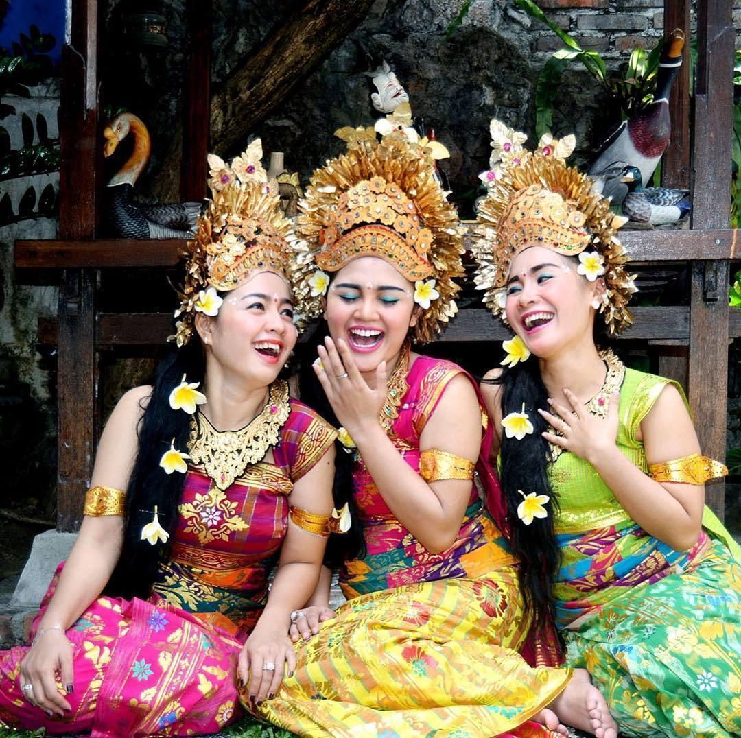 Make Up pengantin Bali