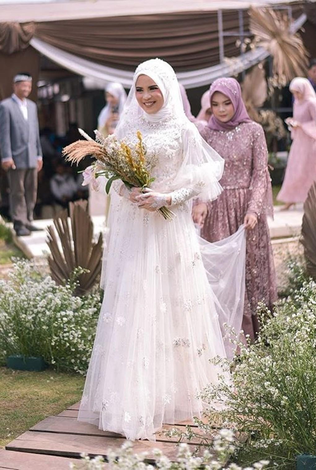 Model Gaun Pengantin Islami