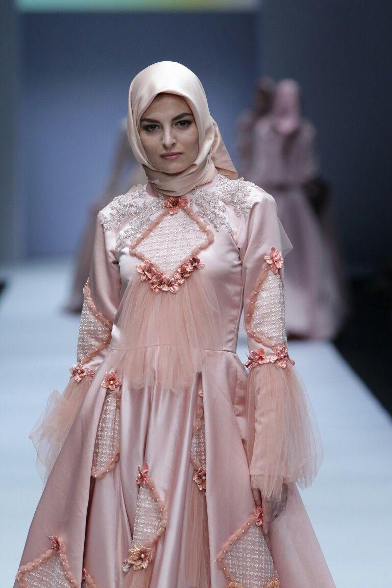 Model Gaun Pengantin Muslimah Malaysia