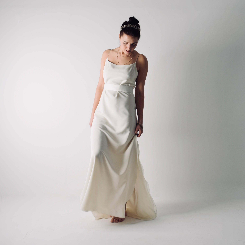 Model Gaun Pengantin Simple Bahan Satin