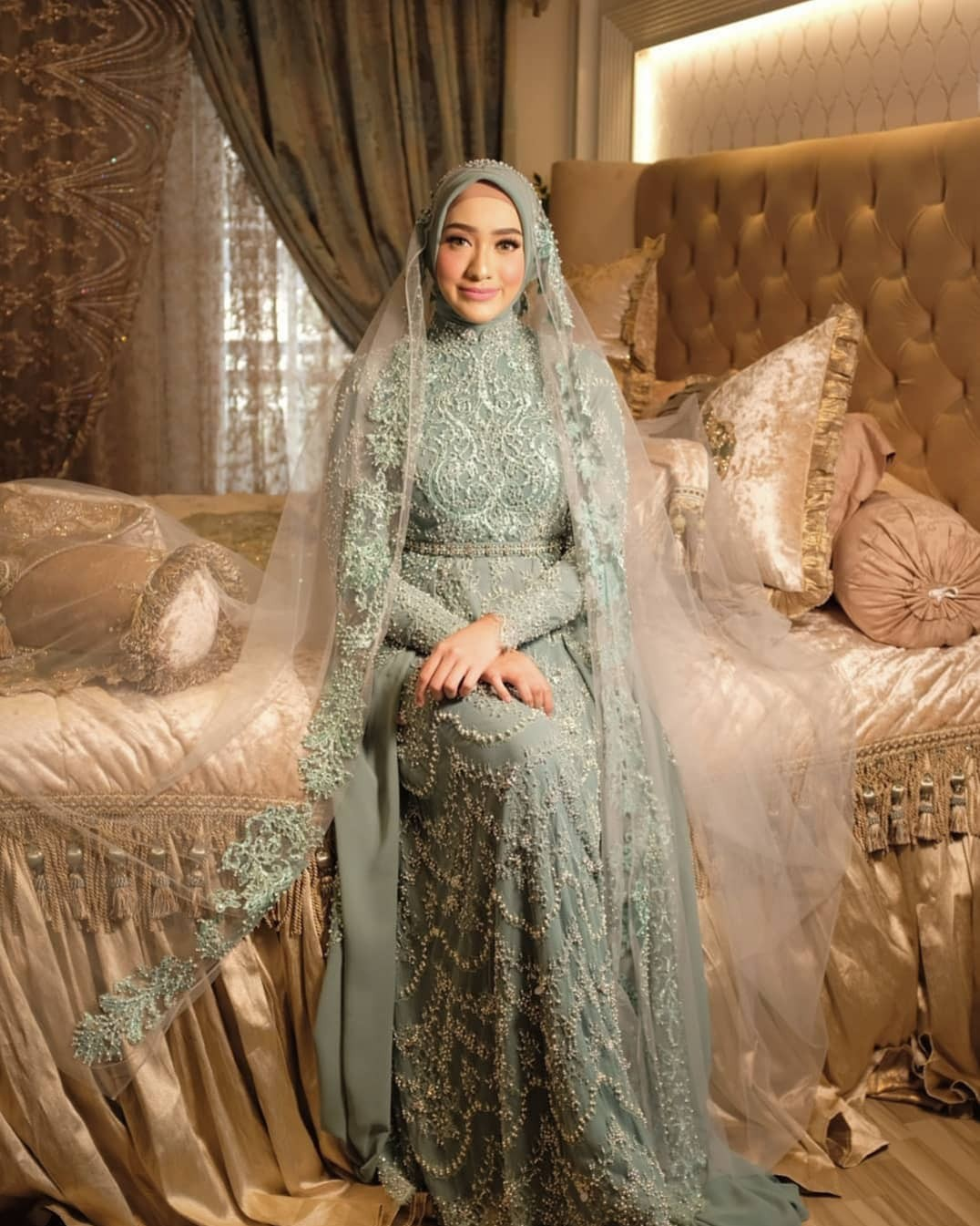 Model Gaun Pengantin Syar'i Modern