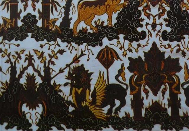Motif Batik Cirebon Naga Silam