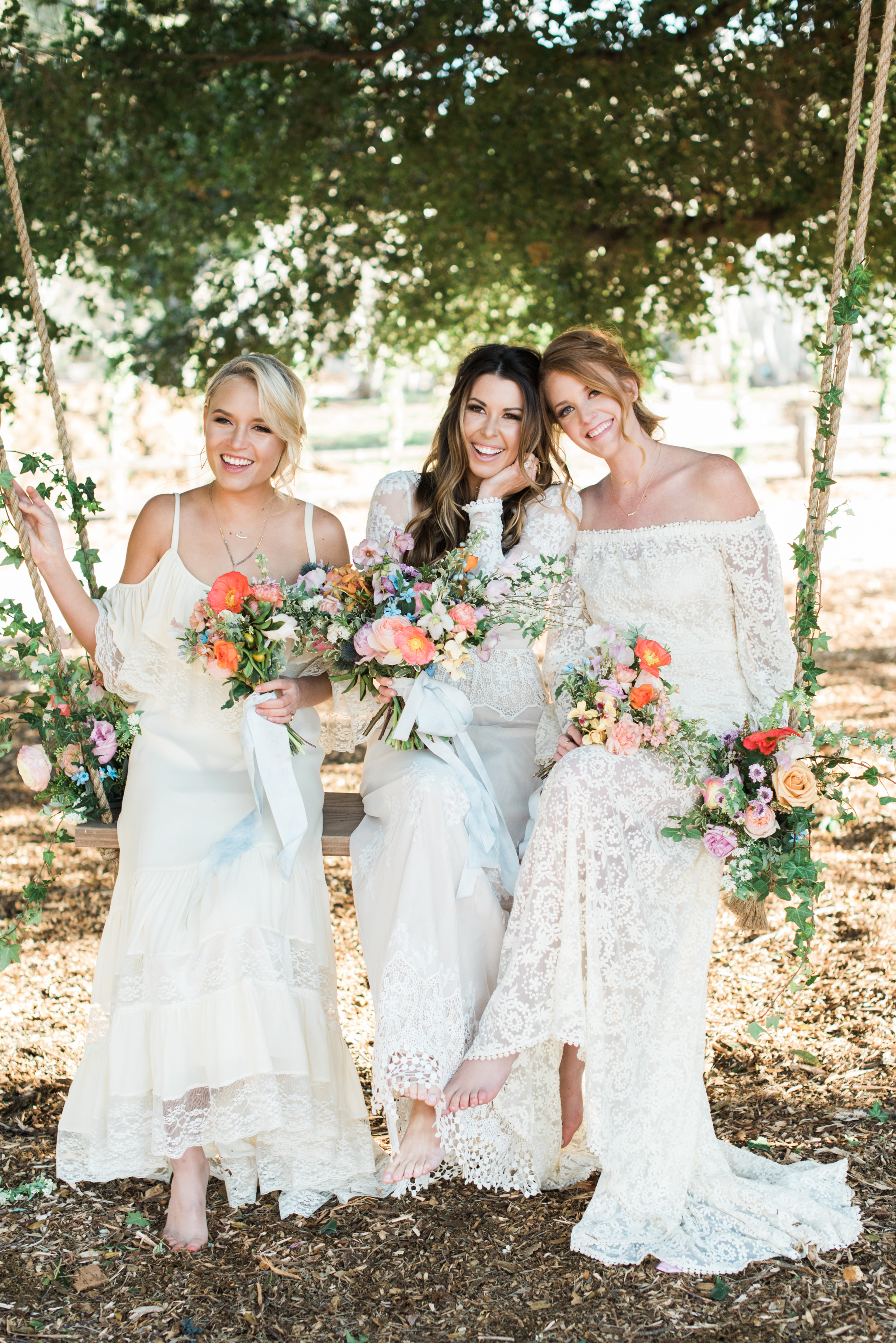 Pesta Bridal Outdoor dengan Gaun Putih