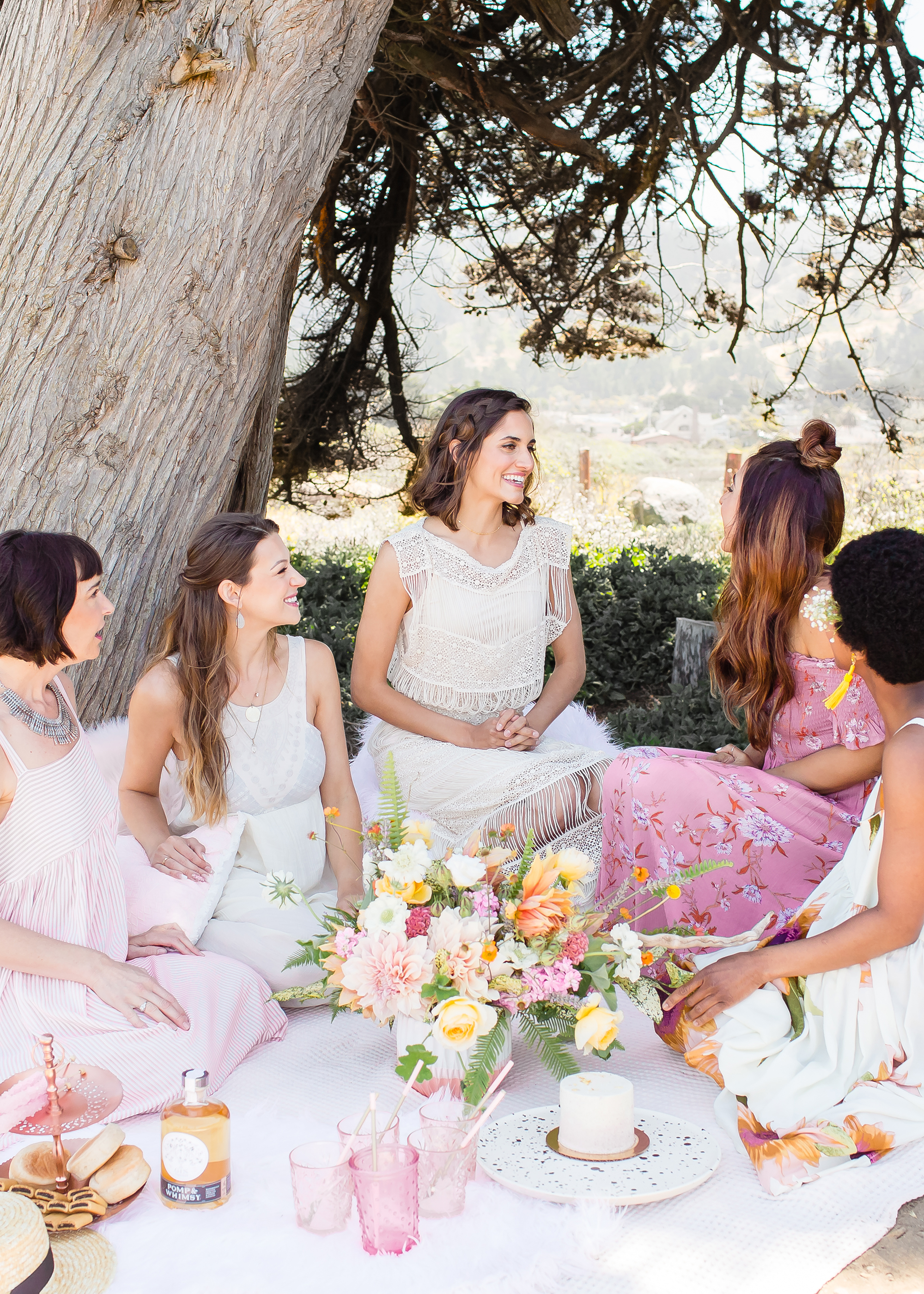 Pesta Bridal Sederhana di Ruangan Outdoor