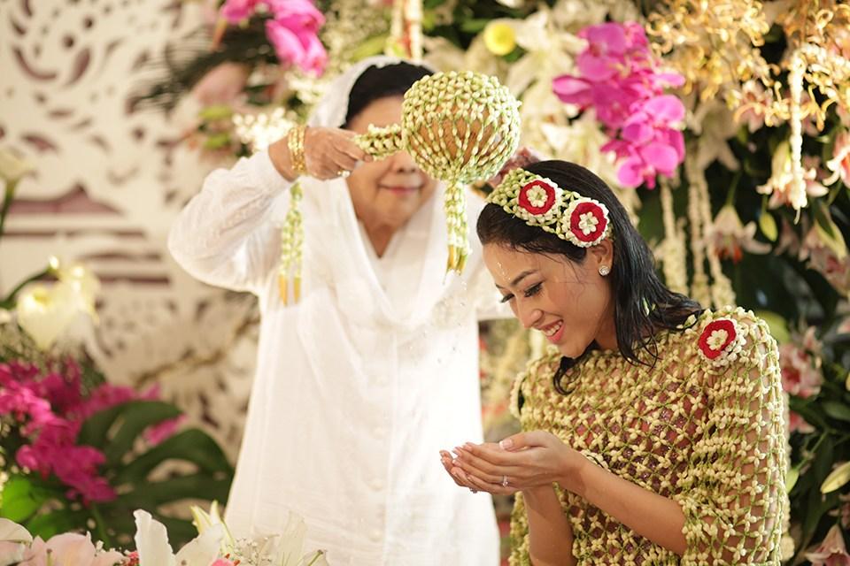 Siraman ( pernikahan adat jawa )