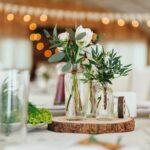 Tentukan dekorasi pernikahan