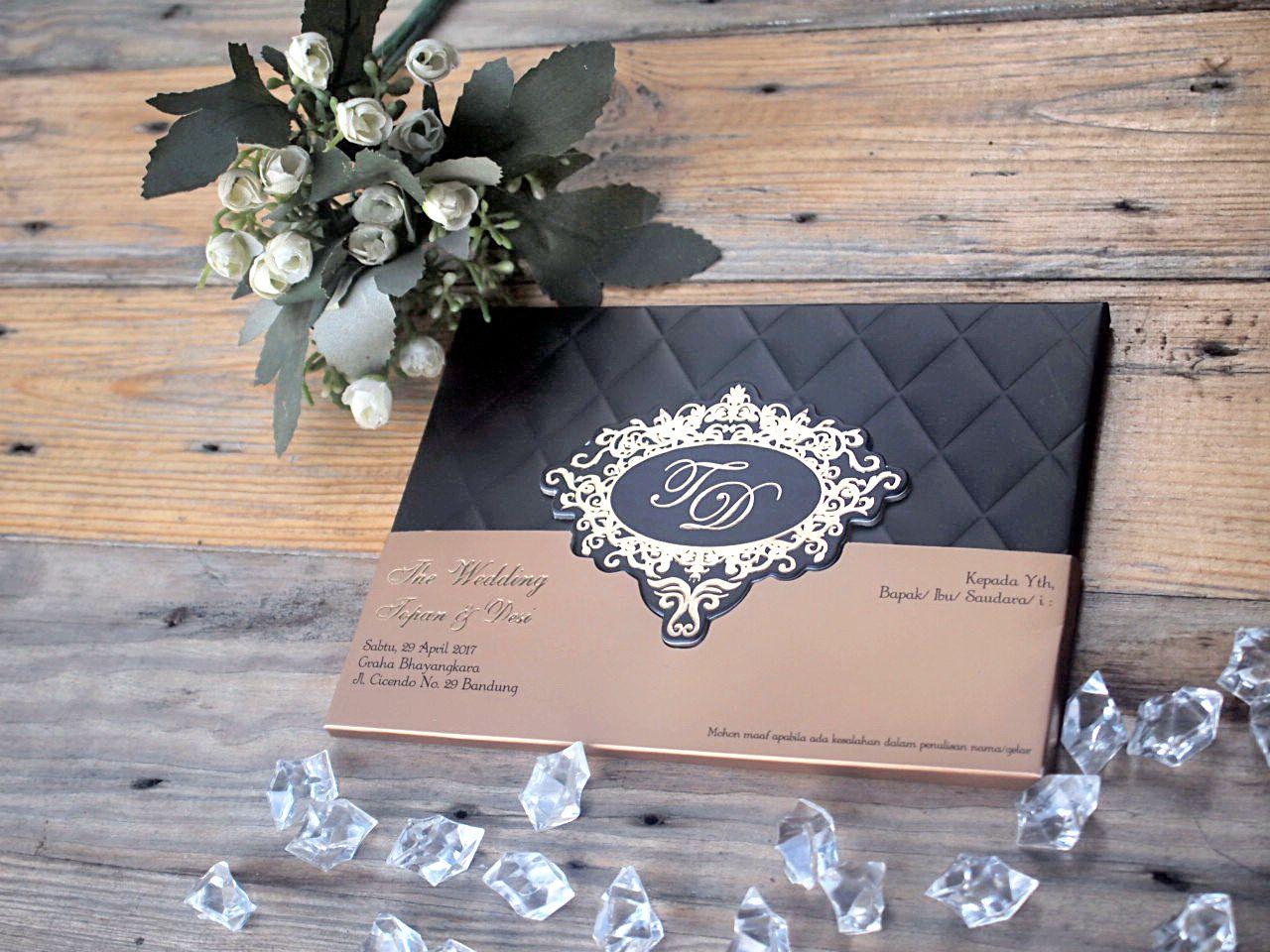 Undangan Pernikahan Unik Buatan Sendiri