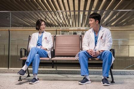 Ahn Chi Hong (Kim Joo Han)