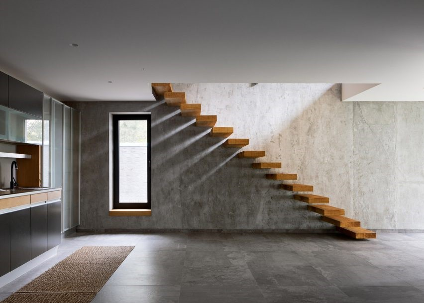 Contoh Tangga Rumah 2 Lantai