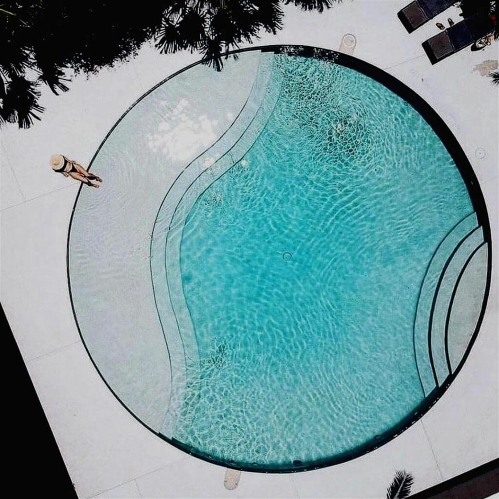 Kolam Renang Bentuk Lingkaran